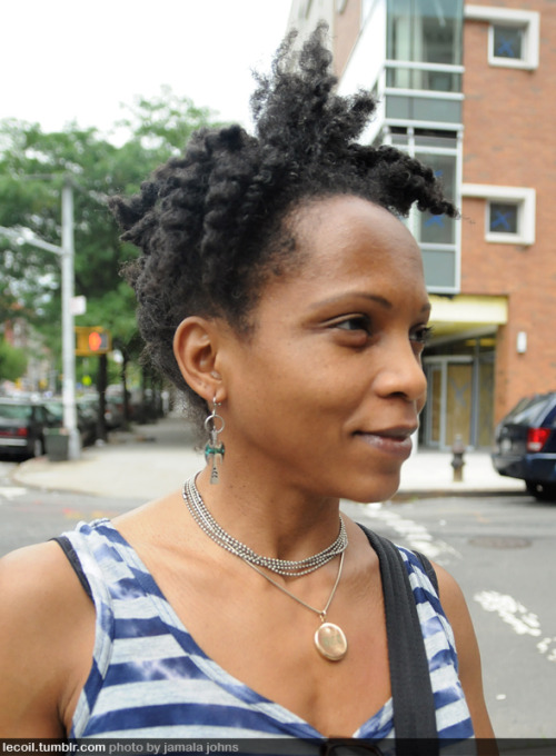Jill, natural hair blogger, in Harlem.
