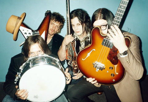 do-the-astro:  Hiding Raconteurs:)