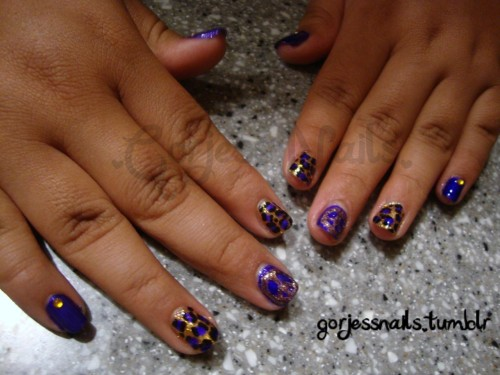 Did these purple & gold nails for Zoe's first day of jr high..♥