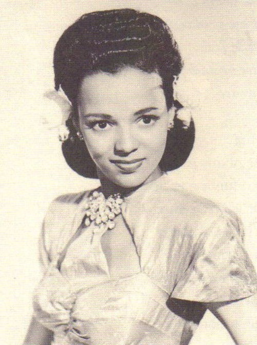 A lost photo of Dorothy Dandridge from the early 1940s.