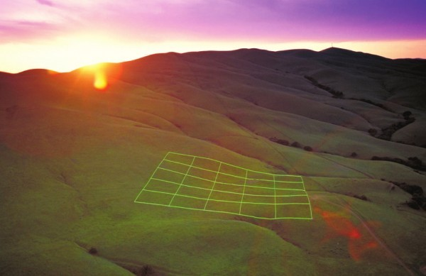 cordisre:  The Luminous Earth Grid was a 1993 installation by artist Stuart Williams erected 50 miles north of San Francisco.