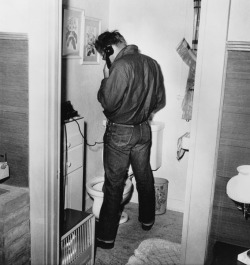 James Dean, Lee Jeans, taking a pee. Read more…
