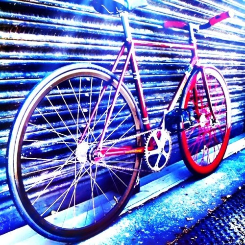 flexline:  Ayo bersepeda #bike #fixedgear #indonesia #iphoneography #iphonesia  (Taken with instagram)