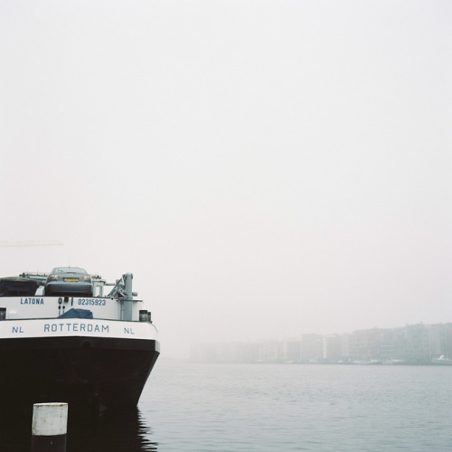 foggy amsterdam by minou* on Flickr.