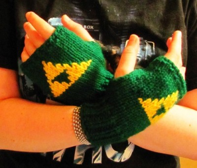 Legend of Zelda TRIFORCE knit fingerless gloves Nintendo fan art