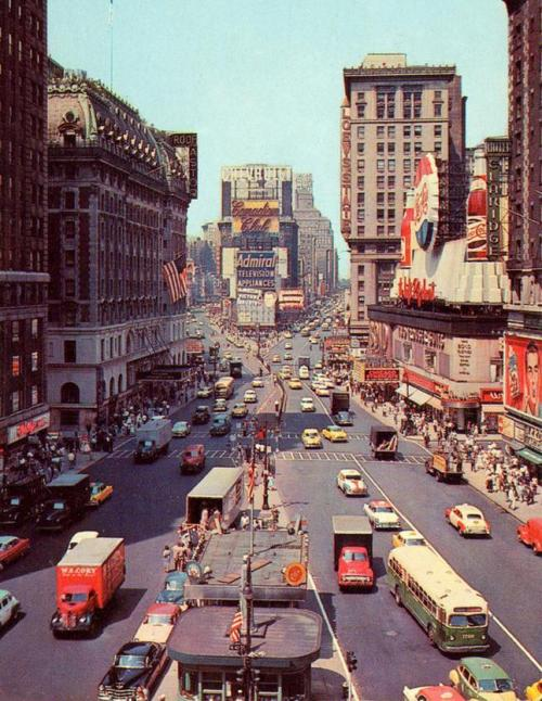 fuckyeahvintage-retro:  NYC 1955    So cool!