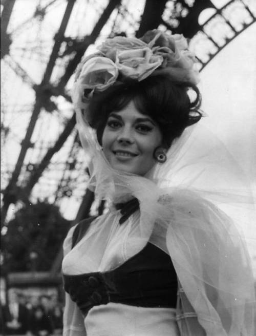 tumblr lppwt5CiBs1qiflw2o1 500 retrogirly: Natalie Wood photo