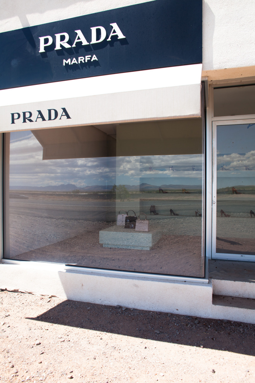 A few of my photos were included in this lovely piece about Prada Marfa. Esquistely written by Tag Christof for 2DM Blogazine, it is well worth the read regardless of my photographs.