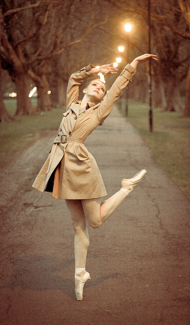 lovingdancer:  Ballet Dancer by Claude Schneider on Flickr.