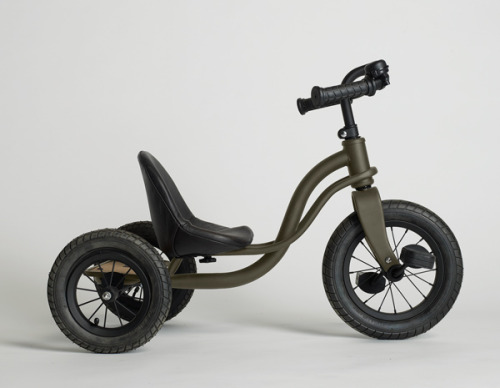 This limited edition steel tricycle from James Perse just makes me want to be a kid again!