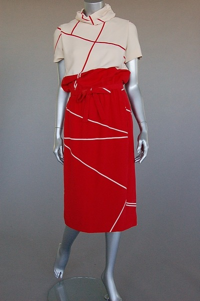 A classy graphic day dress from Dior's Spring-Summer 1963 collection.