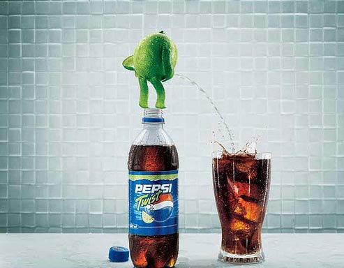 Thought there was something strange about the Pepsi Twist (via 70 Creative Advertisements That Make You Look Twice)
