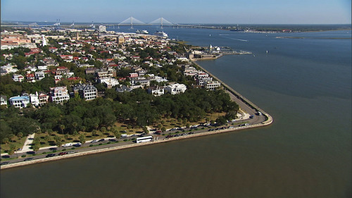 The Battery from the air (with a view of the Arthur Ravenel Bridge and the edge of Mount Pleasant)