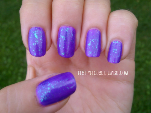 prettyproject:  PrettyProject NOTD 1 coat of OPI, Nail Envy (base coat) 1 coat of ORLY, Frolic 1 coat of Nfu-Oh, #52 1 coat of INM Out the Door (top coat) Mermaid-y no? :) Also reminds me of this guy:
