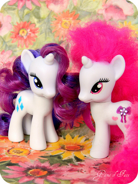 gameof-fate:  Rarity & Periwinkle Splash on Flickr.