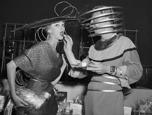 blackandwtf:  1951 Space suits and a chicken (via hastingsgraham)