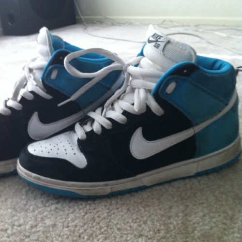 Out the Vault #mynikes @nikestore #dunks #highs #sb #sendhelp  (Taken with instagram)