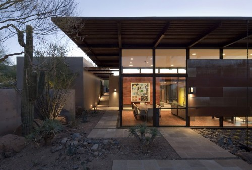 brown residence/lake/flato architects via: archdaily