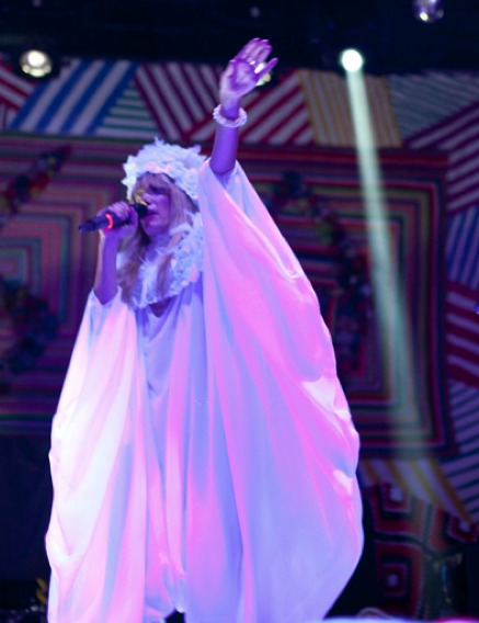 Aussie soul saaanger Sia headlined Webster Hall with opening act OH LAND. Here's my thoughts via PAPERMAG. Yay. READ MORE