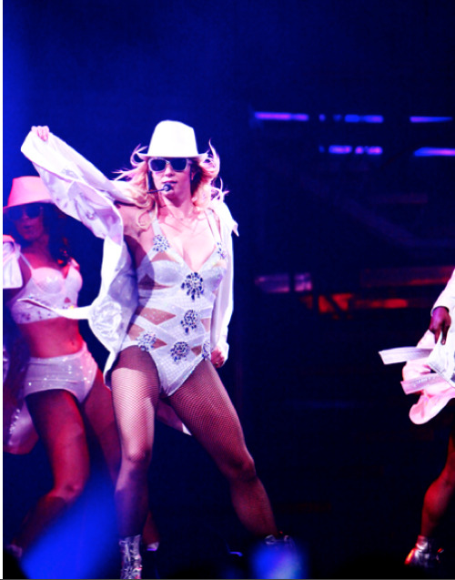 GODNEY (!!!!) along with Nicki Minaj brought her Femme Fatale tour to New York City New Jersey. And I was there! Duh. READ MORE
