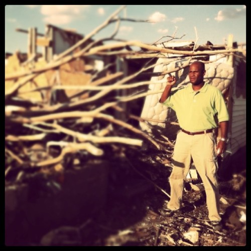 Behind the scenes with @ronmottnbc in #Joplin, MO. Taken by @nbcnewscrew#nbcnews (Taken with instagram)