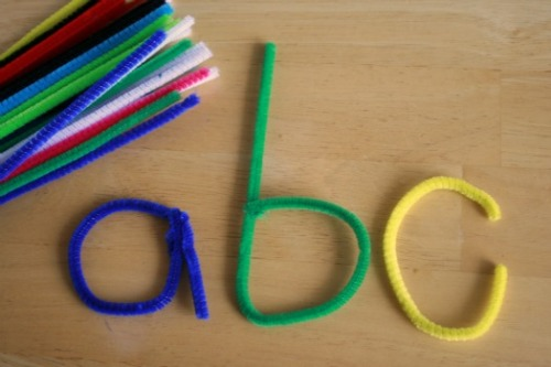 teachpreschool:  (via Learning Letters with Pipe Cleaners | Make and Takes)