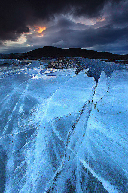 coffeenuts:  Relentless Force - Svínafellsjökull Glacier in Skaftafell, Iceland by orvaratli on Flickr.