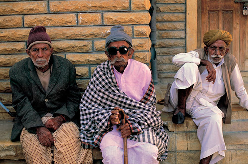 hinduthug:  I hope to roll with a crew like this in India when I'm old.