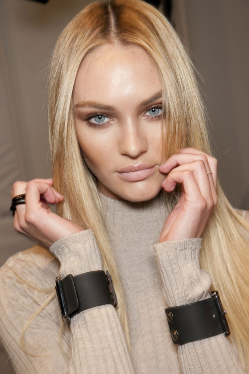 mini-mal-fashion:  Candice backstage at Blumarine F/W 2011. ugh i actually wonder what it would be like to be that perfect