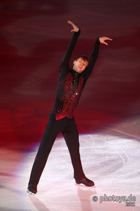 beautiful-shapes:  Evgeni Plushenko, 2010 SP