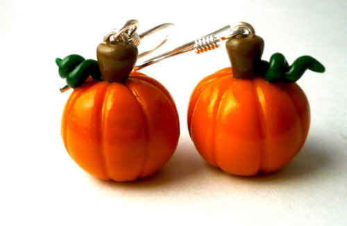 echoesofnature:  Pumpkin Polymer Clay Dangle Earrings by echoesofnature on Etsy   Just in time for fall!