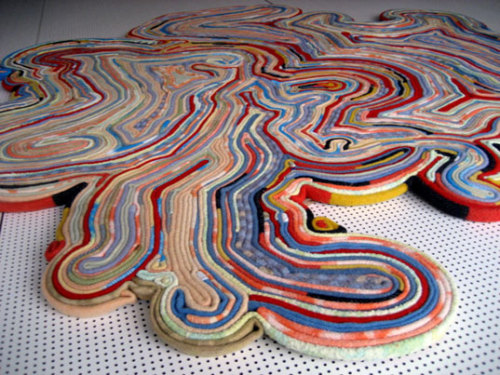 An inspiring #reuse of materials! #art #craft  Recycled Rug: Made from recycled blankets