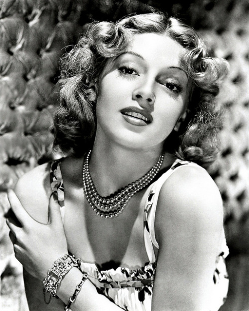 retrogoddess:  Lana Turner