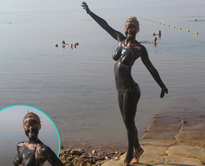 thedailyfeed:  Bar Refaeli gave herself a mud bath at the Dead Sea in her native Israel, then tweeted this picture.