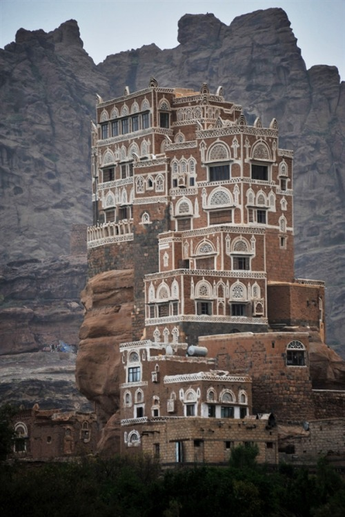 Credit: Yahya Arhab / EPA The  Dar al-Hajar (Rock Palace) is perched atop a rock pinnacle at the Wadi  Dhahr Valley, north of the capital Sana'a, Yemen, on 09 August 2011. The  historical five-storey palace was built by Yemen's ruler Imam Mansour  Ali Bin Mehdi Abbas in 1786 AD. In the 1930s, the late Yemeni monarch  Imam Yahya Hameed Al-Din added the upper story and annexes and used it  as his summer residence.