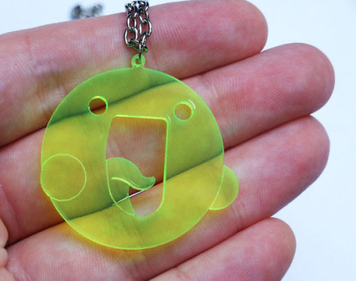 deviantart:  :la: icon plastic necklace by ~milkool