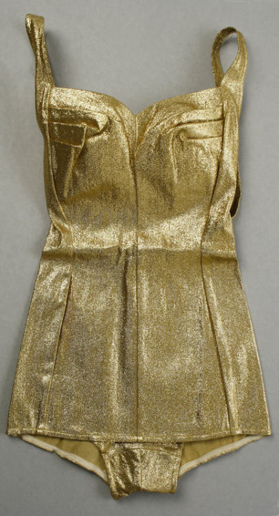 quietcleangirlsinginhamdresses:  yeoldefashion:  A gold lamé bathing suit by Cole of California, 1965.  WANT  YES PLEASE.