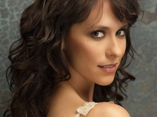 @TheReal_Jlh is returning to T.V. [and I'm kinda excited … Did anyone else see her performance on @nbcsvu last season? … #Bananas !]  via @lifetimetv. The project will turn the Lifetime movie, The Client List, into a series of the same name. Series debut scheduled for sometime in 2012.  @homotidbits