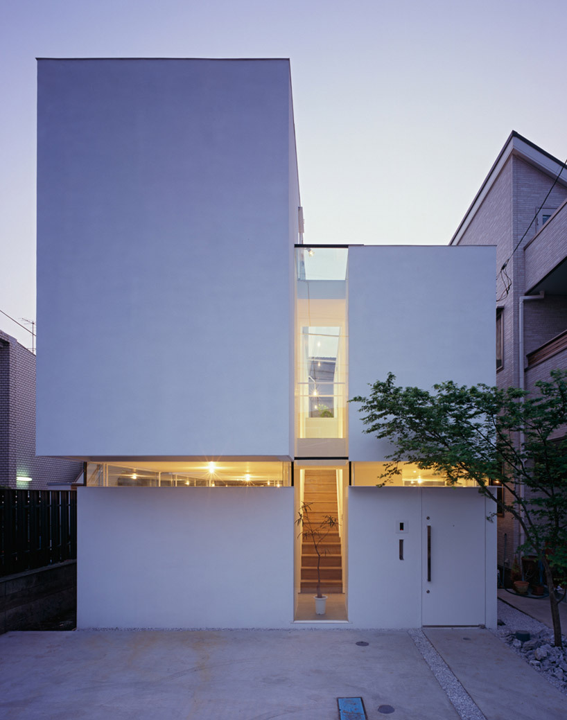 blxckxshxde:  The Gap House by Tetsushi Tominaga
