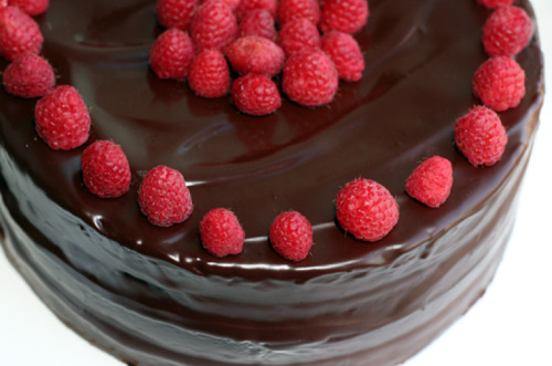 Chocolate raspberry layer cake with chocolate ganache frosting by Pickycook. Made it today for my partner's birthday. I don't like chocolate, but he says it's mighty tasty :)