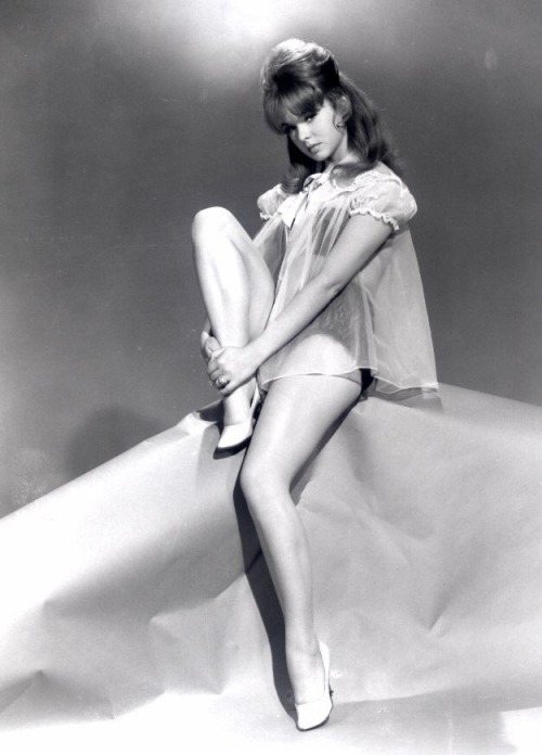 warmchills:  Joey Heatherton
