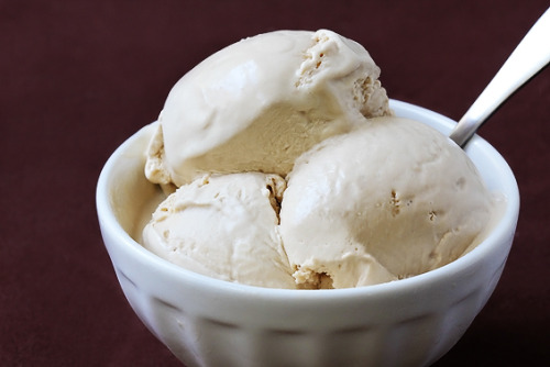 twelfth-doctor:  oh-my-beautiful-idiot:  foodnetworkdreams:  Earl Grey Ice Cream Find the recipe here.  I LET OUT AN AUDIBLE GASP OF DELIGHT WHEN I SAW THIS.  omg, it's not even ice cream. it's frozen custard. which is BETTER! SO MUCH BETTER. CUSTARD FOR ALL THE FOOD AWARDS.  this… THIS IS A THING? omg