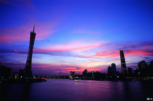 sightsounds:  Sunset glow. (by Jimmy Tsang)