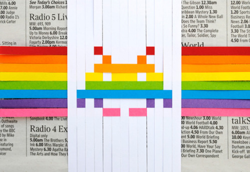 (via How-To: Space Invaders Woven Gift Topper @Craftzine.com blog)