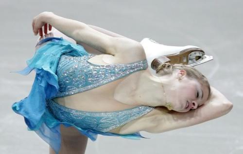 beautiful-shapes:  Carolina Kostner, 2007 SP