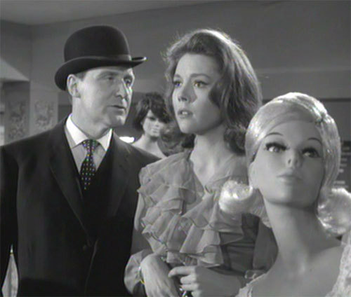 Death at bargain prices (1965), The Avengers S04E04