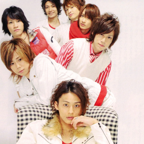 midareteku:  I really love Senga in this photo <3  I really love EVERYONE in this photo <3