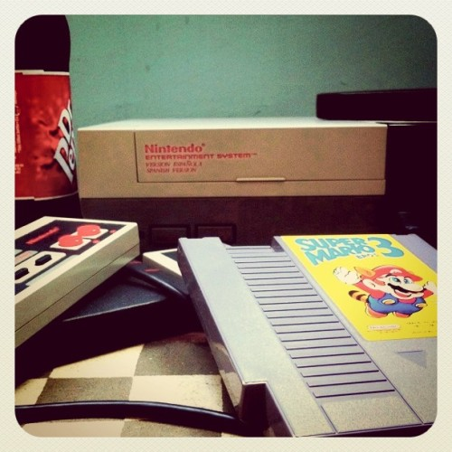 I need a night of Dr.P & SMB3. gameandgraphics:  8-bit gaming! - Photo by Game & Graphics.