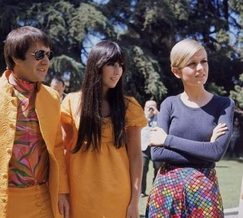 hollyhocksandtulips:  Sonny, Cher and Twiggy
