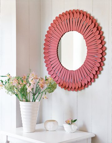 DIY Spoon Mirror via Marie Claire Idees  No instructions are given, as you have to subscribe to the site and it's in French (which i'm a little rusty on….) BUT, i think its pretty self explanatory. Just make sure you use a good glue/epoxy to keep the spoons affixed to the mirror.